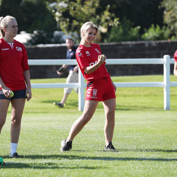 PR Photographer Leeds, TV star Helen Skelton trains with the Englnad Women's Rugby League Team